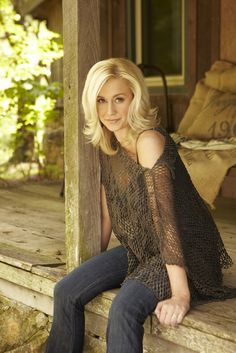 Paper Napkin Interview: Dishing with Kellie Pickler