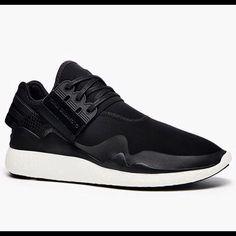 PRE ORDER (2 weeks) Adidas Y3 Retro Boost - Black White Cond: BNIB Size: ask me Price: 6.XXX.XXX by noobzyco