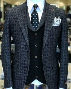 Find out some great mens fashion. With so much style for guys to choose from nowadays, it can be a time consuming encounter. Dress Suits For Men, Suit And Tie, Men Dress, Mens Fashion Suits, Mens Suits, Men's Fashion, Fashion Photo, Fashion Rings, Men's Two Piece Suits