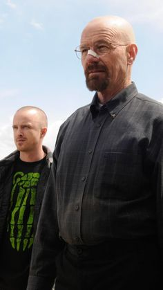 """Aaron Paul as """"Jesse Pinkman"""" and Bryan Cranston as """"Walter White"""" in the fifth season of Breaking Bad, 2012 Breaking Bad Poster, Breaking Bad Jesse, Breaking Bad Movie, Black Quotes Wallpaper, Charles Baker, Vince Gilligan, Young Johnny Depp, Jesse Pinkman, Mark Johnson"""