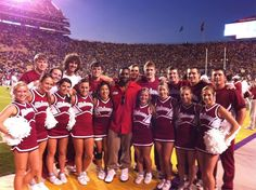Former Tider Mark Ingram with Bama Cheerleaders in Baton Rouge