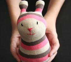 MisPumMis tutorial muñeco con calcetines.