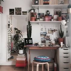 64 Ideas For Bedroom Desk Decor Diy Mirror Aesthetic Room Decor, Trendy Bedroom, Girls Bedroom, Dream Rooms, My New Room, Beautiful Bedrooms, House Rooms, Dorm Room, Bedroom Decor