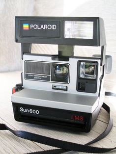 Cyber Monday Sale  25 off  Polaroid 600 Land Camera . by LetterKay