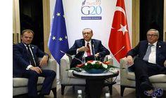لقاء أوروبي تركي في هانغتشو على هامش…: التقى رئيس المجلس الأوروبي دونالد توسك ورئيس المفوضة الأوروبية جان كلود يونكر اليوم الرئيس التركي…