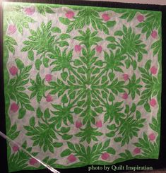 Quilt Inspiration: Hawaiian quilts by Japanese masters Hawaiian Quilt Patterns, Hawaiian Pattern, Hawaiian Quilts, Longarm Quilting, Hand Quilting, Machine Quilting, Quilt Stitching, Applique Quilts, Hawaiian Crafts