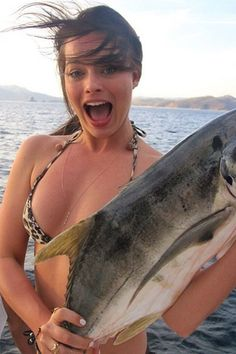 The Wolf of Wall Street star Margot Robbie celebrated her Earth Day on April 22, 2014 with the fishes.