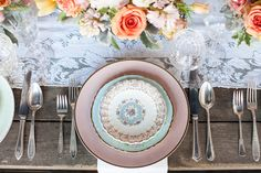 Vintage plates from THE VINTAGE TABLE CO.