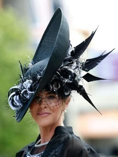 http://style.uk.msn.com/fashion/royal-ascot-2014-style-highlights?page=32