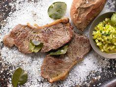 Steaks vom Salzbett - mit Süßkartoffeln und Gemüse - smarter - Kalorien: 560 Kcal - Zeit: 30 Min. | eatsmarter.de