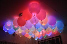 Wenn es einen Geburtstag gibt, dann wird alles meistens dekoriert. Fähnchen, Konfetti, Ballone, alles wird benutzt um das Geburtstagskind zu verwöhnen! Warum machen Sie sich dieses Jahr nicht ein kleines bisschen mehr Mühe. Für wenige Euros und ei...