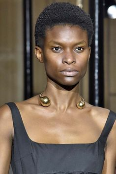 Bold open collars and neckrings and crazy earrings were just a few of the best jewelry trends seen at Paris Fashion Week Spring 2019 Spring Fashion Trends, Fashion Week, Paris Fashion, Spring Trends, Fashion 2018, Fashion Night, Women's Fashion, Fashion Outfits, Best Jewelry Designers