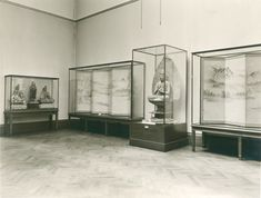 Gallery for Japanese art, photographed in 1933