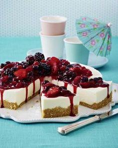 Kuchen ohne Backen - Bunte Beeren-Torte mit erfrischender Zitronenmousse