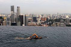 Sky Parks Pool: I'm getting vertigo just thinking about it!