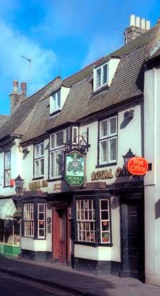 Royal Oak, Crown Street, The oldest pub in St Ives, dating from the early 16th century. Located in the centre of the town.