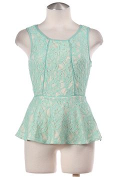 FLORAL LACE SLEEVELESS PEPLUM TOP- Mint