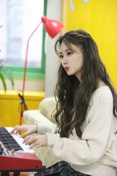 Kpop Girl Groups, Korean Girl Groups, Kpop Girls, University Style, University Fashion, Estilo Lolita, Mode Kpop, Jihyo Twice, Twice Kpop