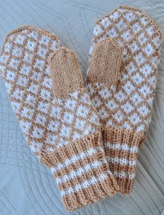 Knitted Mittens Pattern, Knit Mittens, Knitted Hats, Baby Hats Knitting, Knitting Projects, Fun Projects, Handicraft, Knit Crochet, Gloves