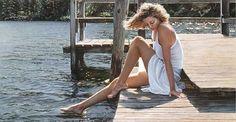 As belas e misteriosas mulheres nas pinturas hiper-realistas de Steve Hanks