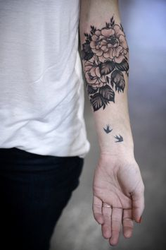 "alicecarrier: "" Black and grey roses for Carlee! (I didn't do the birds!) "" Roses by Alice Carrier!"
