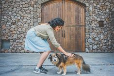 Check out dog friendly wineries in Sonoma (woman petting dog) Dyi Dog Bed, Sonoma Valley, Find Pets, Wineries, Wine Tasting, Dog Friends, Where To Go, Best Dogs, Places To Visit