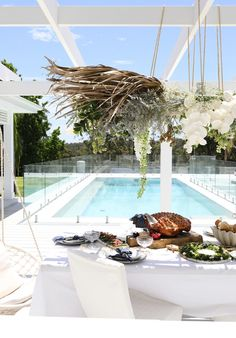 GET THE LOOK CHRISTMAS AT BONNIE'S — THREE BIRDS RENOVATIONS Open Plan Kitchen Dining Living, Three Birds Renovations, Australian Christmas, Pool Party Decorations, Backyard Pool Designs, Christmas Table Settings, Australian Homes, Outdoor Landscaping, Outdoor Entertaining