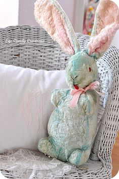 Love this vintage  bunny and wish I had kept mine.