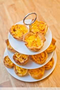 Guten Appetit! Mini Quiches, Pumpkin Squash, Pizza Burgers, Snacks Für Party, Vegetable Side Dishes, Nom Nom, Food And Drink, Baking, Breakfast