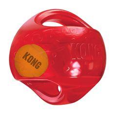 <p>Der Tennisball im Innern und lautes Quietschen animieren zum Spiel.Griffe erleichtern das Aufheben und Schütteln. Der Jumbler ist äußerst strapazierfähig und eignet sich somit ideal für Wurf- und Apportierspiele. Der KONG Jumbler ist in zwei Größen erhältlich und sorgt für Abwechslung beim Spielen und sportliche Aktivität für Sie und Ihren Hund und garantiert spannenden und...