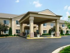 Lawrenceburg (KY) Best Western Lawrenceburg Inn United States, North America Best Western Lawrenceburg Inn is conveniently located in the popular Lawrenceburg area. Both business travelers and tourists can enjoy the hotel's facilities and services. 24-hour front desk, facilities for disabled guests, express check-in/check-out, luggage storage, Wi-Fi in public areas are there for guest's enjoyment. Comfortable guestrooms ensure a good night's sleep with some rooms featuring fac...