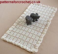 Free crochet pattern for frilled table runner or centre piece from http://www.patternsforcrochet.co.uk/frilled-runner-usa.html #freecrochetpattern  #patternsforcrochet