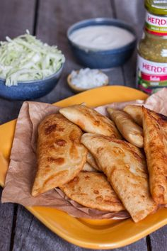 recipe for chicken empanadas easy Mexican style Chicken Empanadas, Empanadas Recipe, Real Mexican Food, Mexican Food Recipes, Mexican Style, Broccoli Soup Recipes, Chicken Recipes, Maseca Recipes, Pollo Recipe