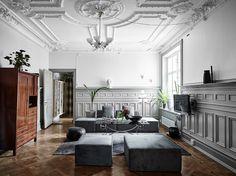 Entrance Fastighetsmäkleri  #interior #victorian #sekelskift #inredning #detaljer #vardagsrum #livingroom #stuckaturer #design #sekelskifts
