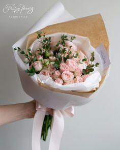 Pink garden roses. Classy! Пионовидные розы с эвкалиптом.