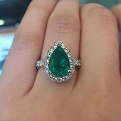 This pear shaped emerald ring is a gorgeous alternative engagement ring!