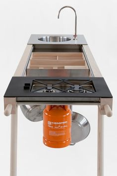 Highly mobile, coolly cofigurable, Critter by Skitsch is a freestanding, indoor/outdoor mobile kitchen that provides sink to stove to storage and everything in between in one sleekly minimal package.