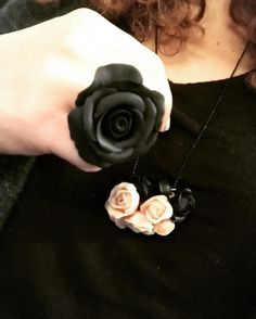 Perfect match #onlyforyou #creation #jewellerydesign #agapeartbya #handmade #fimo #polymerclay #rose #black #flesh #ring #necklace