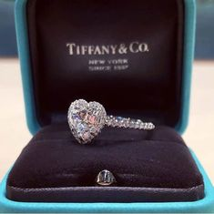 Composed earned engagement ring designs Do not buy unless Heart Shaped Diamond Ring, Heart Shaped Engagement Rings, Classic Engagement Rings, Platinum Engagement Rings, Cute Jewelry, Luxury Jewelry, Beautiful Rings, Ring Designs, Wedding Rings