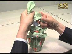 How to video for a pet bottle. Japanese furoshiki 風呂敷の包み方動画DVD ペットボトル篇