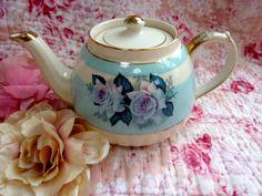 Vintage Tea Pot £20
