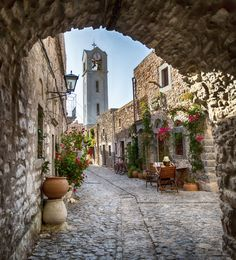 The castle-village of Mesta on the Greek Island of Chios by Nevzat Gökmen on Places Around The World, Around The Worlds, Greece Today, Chios Greece, Collateral Beauty, Places In Greece, Destinations, Paradise On Earth, Greece Islands
