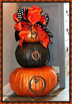 AKM designs and delights: Halloween Glitter Pumpkin Topiary