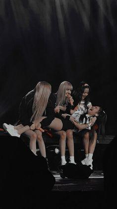 Kim Jennie, Black Pink Jennie Kim, Black Kpop, Blackpink Poster, Blackpink Funny, Black Pink Songs, Lisa Blackpink Wallpaper, Wallpaper Lockscreen, Mode Kpop