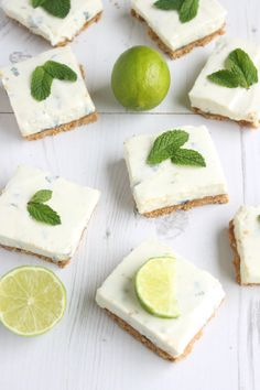 mojito cheesecake bars with fresh limes, mint and rum//