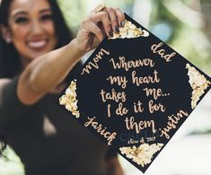 2019 Best Graduation Cap Ideas for Everyone Graduation Cap Toppers, Graduation Cap Designs, Graduation Cap Decoration, Graduation Diy, Grad Cap, High School Graduation, Nursing Graduation Caps, Decorated Graduation Caps, Quotes For Graduation Caps