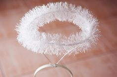 Angel halos are an easy-to-make accessory to go with any angel costume. Using a few supplies from your local crafts store, you can make your very own sparkling, gold halo for your next costume party or Halloween gathering. Kids Angel Costume, Angel Wings Costume, Angel Halloween Costumes, Diy Angel Wings, Nativity Costumes, Christmas Costumes, Angel Halo Costume, Best Christmas Pageant Ever, Christmas Angels
