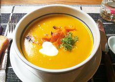 Lækker, cremet græskarsuppe - perfekt til en kold efterårsaften!