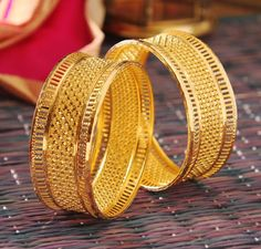Jewelry Images For Bride Gold Ring Designs, Gold Bangles Design, Gold Earrings Designs, Gold Jewellery Design, Gold Jewelry, Fine Jewelry, Gold Necklace, Handmade Jewellery, Jewelry Sets