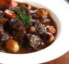 Thank you to Easy Off for sponsoring this post. Beef Bourguignon is simply incredible and just when you thought the flavor couldn't get it any better. We're giving the classic beef bourguignon a Beef Bourguignonne, Bourguignon Recipe, Stuffed Mushrooms, Stuffed Peppers, Moussaka, Slow Cooker Beef, Beef Recipes, Easy Recipes, Carne
